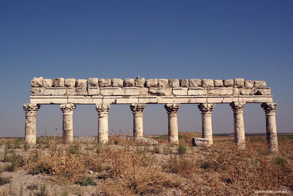 Rzymska kolumnada w Apamei